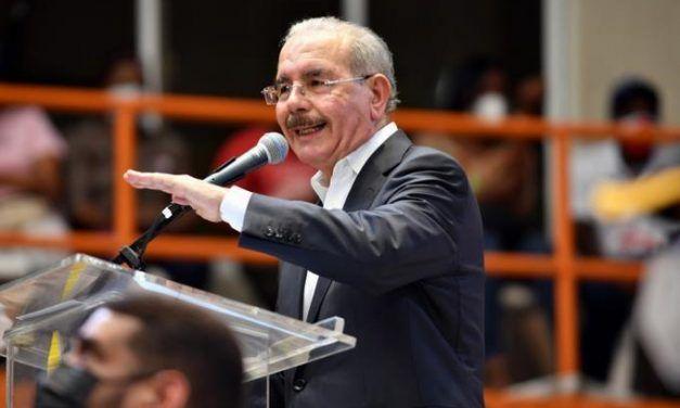 Danilo Medina: «El único delito del PLD es haber servido desinteresadamente a los más débiles»