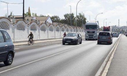 El Ayuntamiento de Cádiz reanudará este mes las obras del carril bici junto a la Casa del Mar