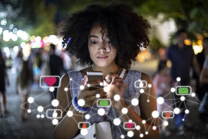 Infodemia en las redes sociales: sobrecarga y 'apagón' mental